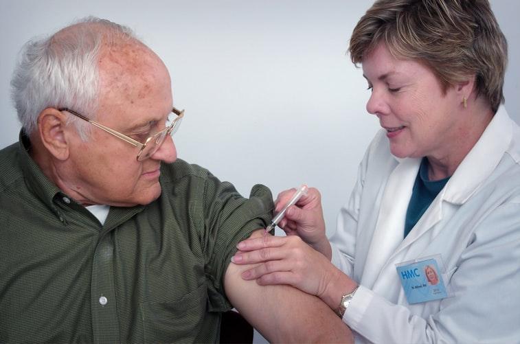 Come prenotare il vaccino in Lombardia